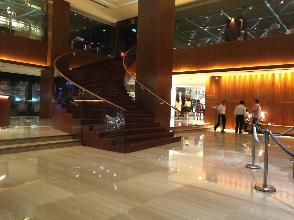 Lobby & Concierge Desk