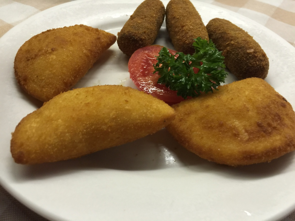 Minced Beef Croquettes & Shrimp Pies